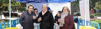 Llanos Navarro visita el stand de Aguas de Albacete con motivo del Día Mundial del Agua.