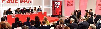 Reunión con los responsables del PSOE para explicar las líneas de acción prioritarias del Gobierno en materia energética, medioambiental y reto demográfico.