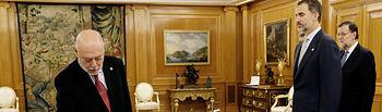 El nuevo fiscal general del Estado, José Manuel Maza, promete su cargo ante el Rey, en presencia del presidente del Gobierno, Mariano Rajoy, en una ceremonia que ha tenido lugar en el Palacio de La Zarzuela