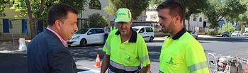 Manuel Serrano visita a las obras de asfaltado del Polígono Campollano