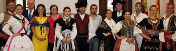 Recepción a los participantes en el Festival Internacional de Folclore que organiza Mazantini