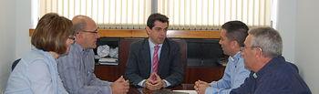 Javier Cuenca, delegado de la Junta en Albacete, con miembros del Ayuntamiento Bonete.