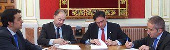 El Ayuntamiento y CaixaBank suscriben un anticipo de recaudación por importe de 12 millones de euros