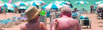 Jubilados en la playa (Foto archivo)