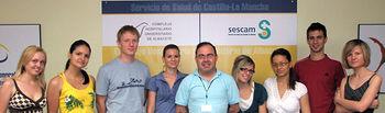 Imagen de los estudiantes de Medicina de Países Europeos que están realizando prácticas formativas en distintos servicios sanitarios del Complejo Hospitalario Universitario de Albacete.