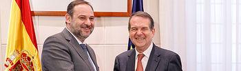 El ministro de Transportes, Movilidad y Agenda Urbana, José Luis Ábalos, ha acordado hoy con el presidente de la Federación Española de Municipios y Provincias (FEMP), Abel Caballero, .