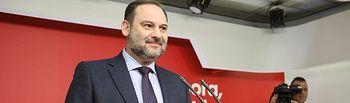 El ministro de Fomento en funciones, José Luis Ábalos, durante su intervención en la reunión de la Ejecutiva Federal del PSOE en Ferraz.