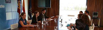 Marta García se reúne con alcaldes de Cuenca. Foto: JCCM.