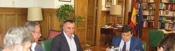 Carlos Cabanas recibe a directivos de la Asociación Interprofesional del Cerdo Ibérico. Foto: Ministerio de Agricultura, Alimentación y Medio Ambiente