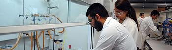 Trabajando en laboratorios