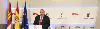 El vicepresidente del Gobierno regional, José Luis Martínez Guijarro, ofrece una rueda de prensa para informar de los acuerdos del Consejo de Gobierno. Foto: JCCM.
