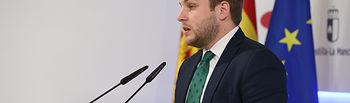 El portavoz del Gobierno regional, Nacho Hernando, ofrece una rueda de prensa, en el Palacio de Fuensalida, para informar de los acuerdos adoptados en el Consejo de Gobierno. (Fotos: Ignacio López // JCCM)