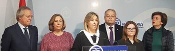 Ana Guarinos, durante la rueda de  prensa junto a los parlamentarios nacionales del PP por Guadalajara.