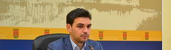Santiago Serrano.