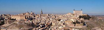 """Toledo es la capital de Castilla-La Mancha desde 1982 y fue declarada """"Ciudad Patrimonio de la Humanidad"""" en 1986"""