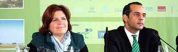 La consejera de Industria, Energía y Medio Ambiente, Paula Fernández, ofreció hoy en Albacete una rueda de prensa con el secretario de Estado adjunto para las relaciones comerciales de la Administración de Obama con Europa, Juan Verde, dentro de la II Convención sobre Cambio Climático y Sostenibilidad.