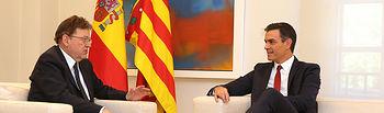 El presidente del Gobierno, Pedro Sánchez, y el presidente de la Generalitat Valenciana, Ximo Puig, durante la reunión que han mantenido en La Moncloa.