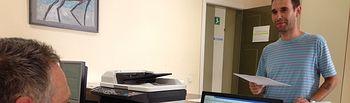 Toni Calvo registra las alegaciones de Cs al proyecto de control por cámaras