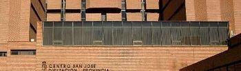 Fachada del edificio del Centro San José de la Diputación.
