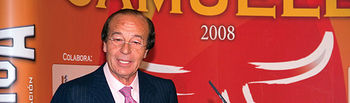 Samuel Flores durante su discurso en la pasada edición de los Premios que llevan su nombre.