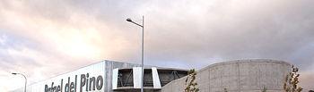 """Imagen del Complejo Deportivo """"Rafael del Pino"""" en Toledo, destinado a facilitar el acceso al deporte como instrumento terapéutico y de integración social a los pacientes del Hospital Nacional de Parapléjicos y Centro Especial de Alto Rendimiento Deportivo para deportistas paralímpicos."""