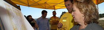 Soriano se desplaza al Puesto de Mando Avanzado de Aleas I. Foto: JCCM.