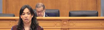 Claudia Alonso en el Pleno de las Cortes.