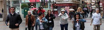 Javer Cuenca participa en un flashmob con la Asociación del Parkinson.