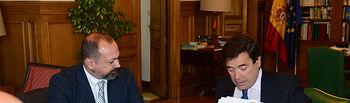 El secretario general de Agricultura y Alimentación se reúne con el alcalde de Candeleda. Foto: Ministerio de Agricultura, Alimentación y Medio Ambiente
