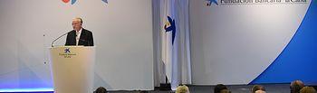 El presidente de Fundación Bancaria la Caixa, Isidro Fainé, durante la entrega de becas de posgrado.