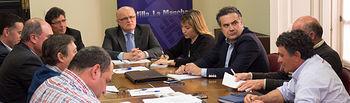 Reunión del director de la Agencia del Agua de Castilla-La Mancha, Antonio Luengo, y del delegado de la JCCM en Albacete, Pedro Antonio Ruiz Santos, con la Junta Central de Regantes de la Mancha Oriental.