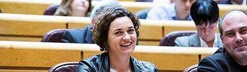 La senadora Sara Vilà junto a Joan Comorera, senador también de En Comú Podem. Foto: Irene Lingua