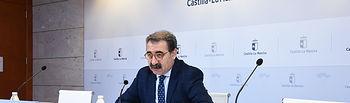 El consejero de Sanidad, Jesús Fernández Sanz, comparece, en la sede de la Consejería, para informar sobre el coronavirus. (Fotos: José Ramón Márquez // JCCM).