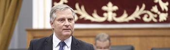 Cañizares en su intervención en el Pleno de las Cortes regionales.