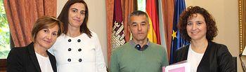 """Espinosa ofrece la colaboración de la Subdelegación del Gobierno a """"Pelea como una chica""""."""