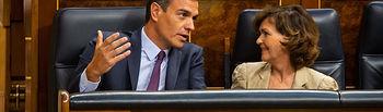 El presidente del Gobierno en funciones, Pedro Sánchez, con la vicepresidenta del Gobierno, Carmen Calvo. Foto: POVEDANO