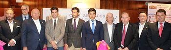 Alberto Reina y Francisco Navarro asisten a la entrega de los premios taurinos de la Feria 2017 del Club de Abonados de la Plaza de Toros