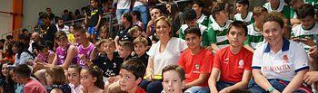 María Ángeles García con los premiados.