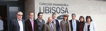 Ángeles García en la entrada del centro sociocultural de Lezuza