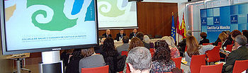 Más de un centenar de profesionales, pacientes y representantes de asociaciones han asistido hoy en Toledo a la jornada de presentación de la Escuela de Salud y Cuidados de Castilla-La Mancha.