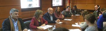 Fotografía de la primera Comisión de Seguimiento de la Oficina de Asistencia, Asesoramiento e Intermediación Hipotecaria de la provincia de Albacete.