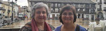 Isabel Álvarez y Maria Carmen González, del Área de Mujer de IU CLM.