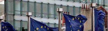 Banderas europeas ondean cerca del edificio del Consejo de Europa en Bruselas. EFE