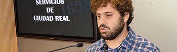 El nuevo presidente de la Empresa Municipal de Servicios de Ciudad Real, Jorge Fernández, en rueda de prensa