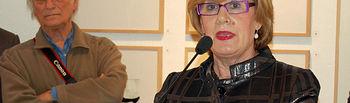 La consejera de Cultura, Turismo y Artesanía, Soledad Herrero, durante su intervención en la inauguración de la exposición fotográfica 'Saura x Saura', en presencia de Carlos Saura, hoy, en la sede de la Fundación Antonio Saura en Cuenca.
