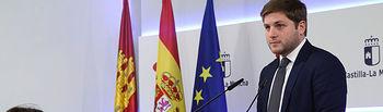 Toledo, 6 de marzo de 2019.- El portavoz del Gobierno regional, Nacho Hernando, informa de los acuerdos del Consejo de Gobierno, en el Palacio de Fuensalida. (Foto: Álvaro Ruiz // JCCM)