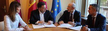 Firma convenio 'El Corte Inglés'.