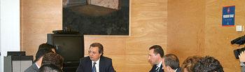 El consejero de Ordenación del Territorio y Vivienda, Julián Sánchez Pingarrón, en una imagen de archivo, durante una de las reuniones mantenidas con los empresarios de los polígonos industriales de Romica y Campollano (Albacete).