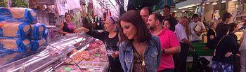 Andrea Levy visita el mercado municipal de Sant Ildefonso