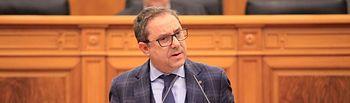 Antonio Martínez en el Pleno de las Cortes.